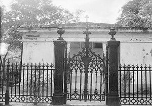 Glover Mausoleum - Image: Glover Mausoleum Marengo Alabama