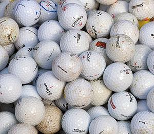 English: Golf balls. Français : Des balles de ...