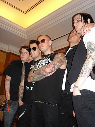Good Charlotte - Good Charlotte in 2007. From left to right: Paul Thomas, Joel Madden, Benji Madden, Dean Butterworth, and Billy Martin.