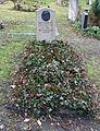 Grabstätte Großgörschenstr 12 (Schön) Gustav Eberlein.jpg