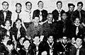 Groupe des Éclaireurs de France de Dijon, en 1939, entourant leur chef local, à gauche et à droite leur commissaire national André Lefèvre.jpg