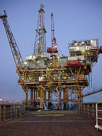 Fossil fuel - An oil well in the Gulf of Mexico