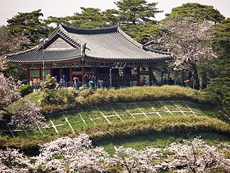 Yeongdong (region) - Gyeongpodae in Gangneung city, which is the biggest city in Yeongdong region