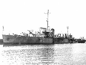 HMAS Lachlan shortly after the end of World War II