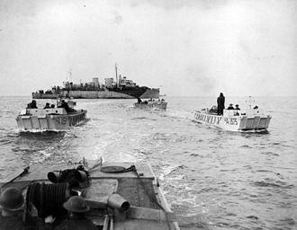 Landing ship, infantry - Four LCAs go ashore from HMCS Prince David off Bernières-sur-Mer, France, 6 June 1944