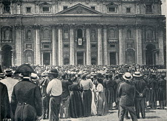 Pope Pius X - Cardinal Luigi Macchi announces the election of Sarto as Pope Pius X