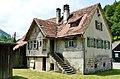 Haus neben dem Gasthaus Eyachmühle - panoramio.jpg