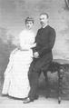 Heike Kamerlingh Onnes - 18 - Heike Kamerlingh Onnes and his bride Betsy Bijleveld, September 1887.png