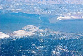 East Palo Alto, California - Image: Highway 84, the Dumbarton Bridge, Palo Alto, Fremont 84 DSC 0456 (14664665595)