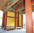 Hoejeonmun door of Cheongpyeongsa temple in Chuncheon, Korea 02.jpg