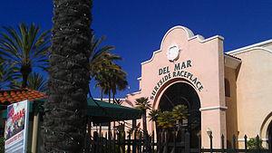 Del Mar Fairgrounds - Picture of Surfside Race Place