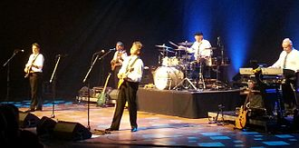 Ian Parker (keyboardist) - Parker (right) with The Hollies