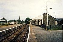 Invergordon railway station in 1991.jpg