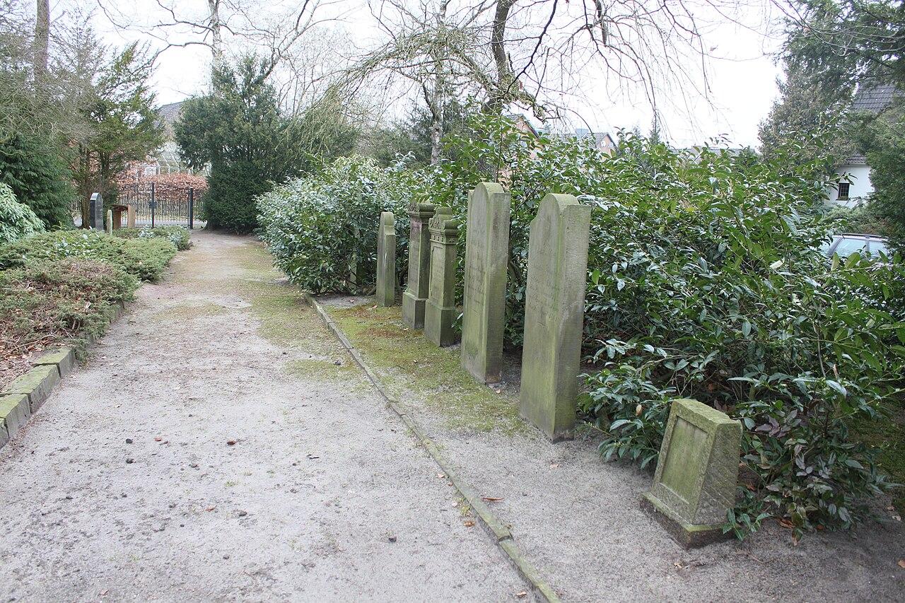 Jüdischer Friedhof Rotenburg Wümme 2011 PD 29.jpg