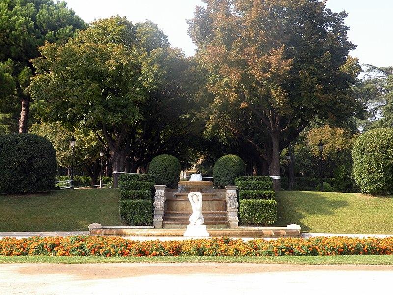 File:Jardín del Palacio Real de Pedralbes, Distrito de Les Corts, Barcelona.JPG