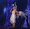 Julianne and Derek Hough Move Live on Tour 2015.jpg