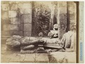 KITLV 40180 - Kassian Céphas - The toppled sculpture of Brahma in the Brahma temple of Tjandi Prambanan - 1889-1890.tif