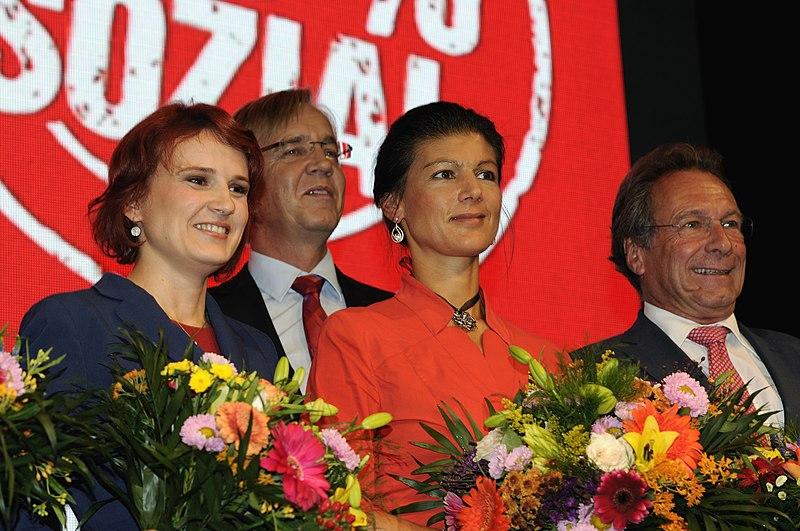 File:Katja Kipping Sahra Wagenknecht Dietmar Bartsch Klaus Ernst Die Linke Wahlparty 2013 (DerHexer) 01.jpg