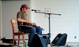 Kelly Joe Phelps op een concert in Norwood, 2005