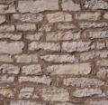 Kirchenmauer Laibaroes.jpg