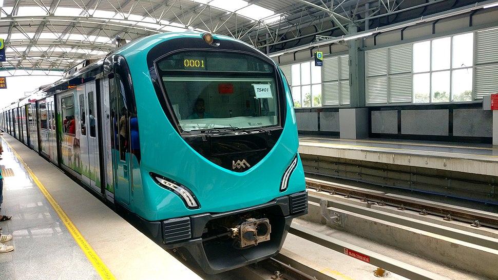 Kochi Metro train at Palarivattom, Aug 2017