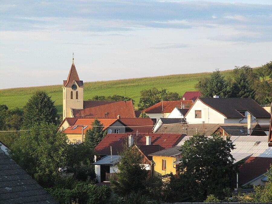 Komárov (Zlín District)