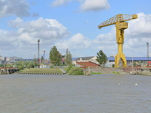 Chantiers Dubigeon - A slipway and crane of the former Chantiers Dubigeon shipyard on 7 June 2012
