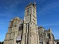 La tour méridionale de la cathédrale Saint-Samson et la nef - 01 - Dol-de-Bretagne.jpg