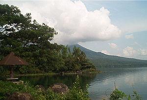 Lake Buhi.jpg
