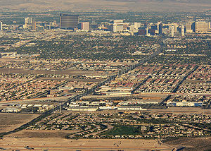 Flamingo Road (Las Vegas) - Western half of Flamingo Road in 2006, from the Strip to I-215