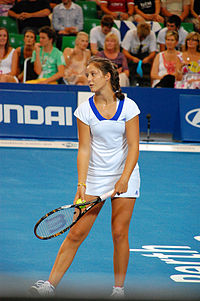 Laura Robson in action during the 2010 Hopman Cup XXII