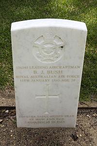 Leading Aircraftman B J Bush gravestone in the Wagga Wagga War Cemetery.jpg