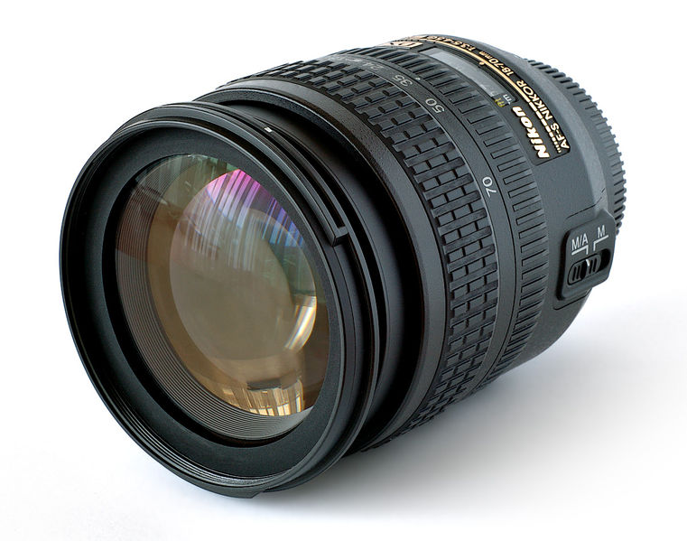 File:Lens Nikkor 18-70mm.jpg