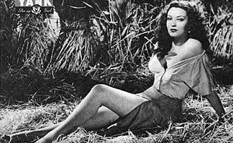 Linda Darnell - Linda Darnell in a May 1944 pin-up photo for Yank, the Army Weekly
