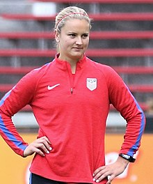 Lindsey Horan sep2017.jpg