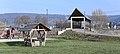 Lintgen – aire de jeux et pont piétonnier au-dessus de l'Alzette.jpg