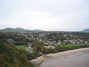 Campaign for the Protection of Rural Wales - Oriel Plas Glyn-y-Weddw (on Left) at Llanbedrog