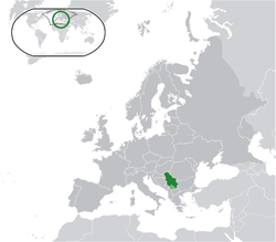 Location o Serbie (green) an the disputit territory o Kosovo (licht green) in Europe (daurk grey).
