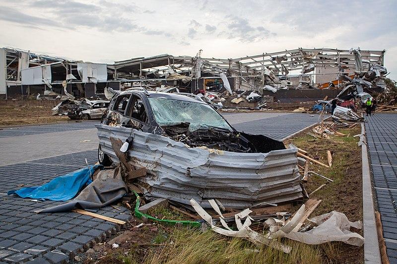 800px-Lu%C5%BEice_after_2021_South_Moravia_tornado_strike_%2861%29.jpg