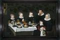 MCC-41230 Gezin in gebed voor de maaltijd (1).tif