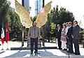 Madrid y México reafirman sus lazos de unión con la escultura Alas de México 02.jpg