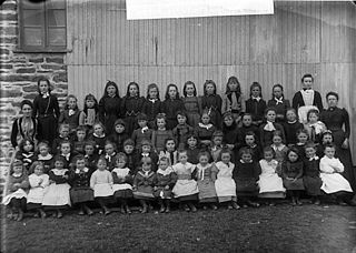Maes-llyn school, Llangynllo (Cer)
