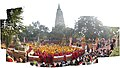 Mahabodhi Temple and people in 2009.jpg