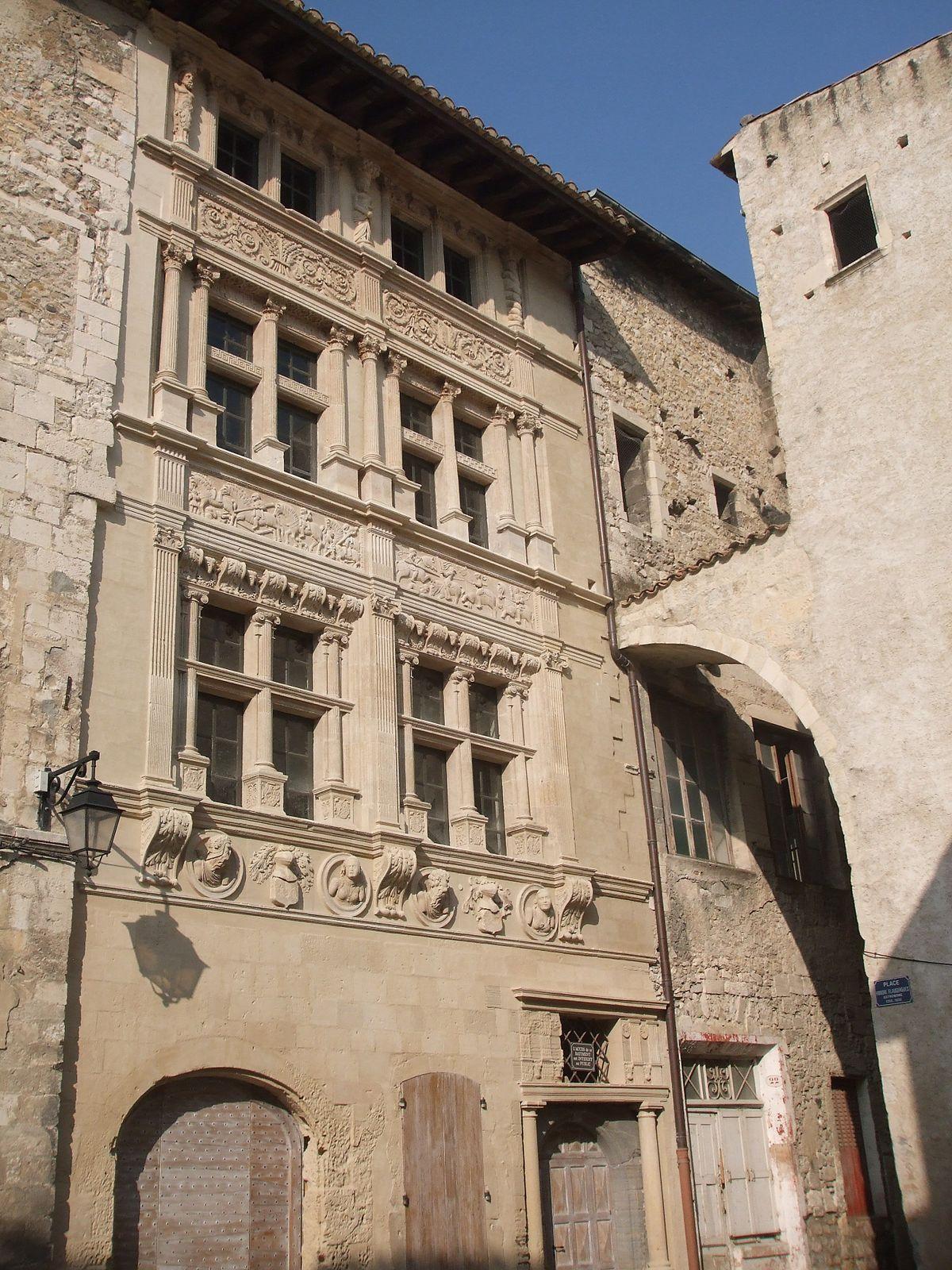 Maison des chevaliers viviers wikip dia for Maison france