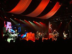 Manic Street Preachers in Brighton2004-5.jpg
