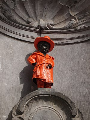 English: Close up of Manneken Pis in Belgian P...