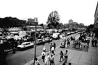 Markt in Dresden kurz nach der Wende 1.JPG