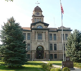 Marshall County Courthouse (South Dakota) - Image: Marshall County, SD, courthouse from N 2