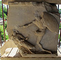 Mausoleo di alicarnasso, frammenti del fregio 04.JPG