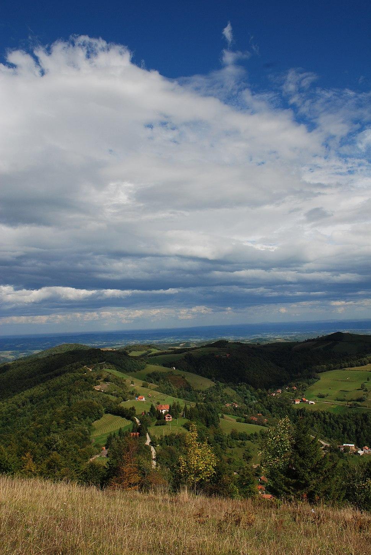 Medvednik - zapadna Srbija - selo Rebelj - Pogled prema dolini reke Kolubare 104